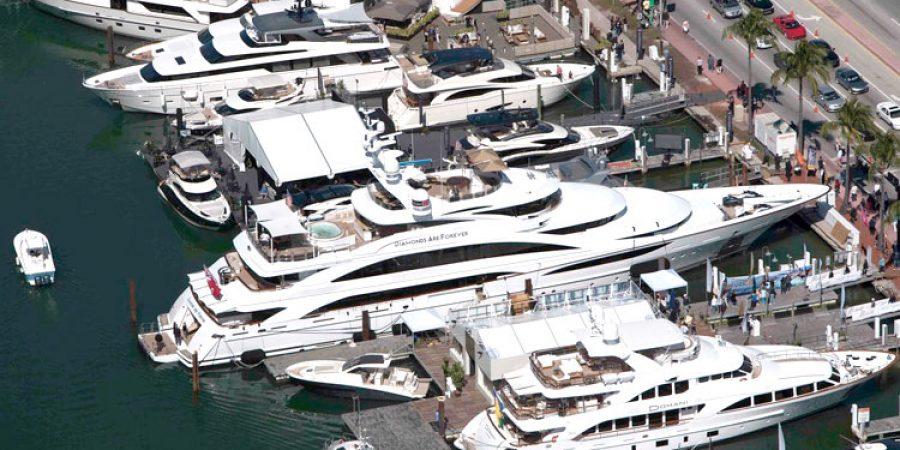 Miami-Boat-Show-2014-03